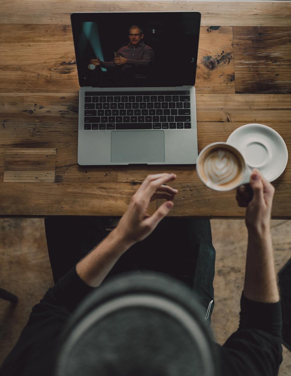 Tijd voor reflectie én ook blijven ontwikkelen (de online mogelijkheden)